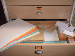 Drawer 4 - Paper, XXL-Post-Its, Stickers, etc.